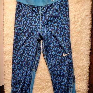 Nike pro dri fit capri work out pants